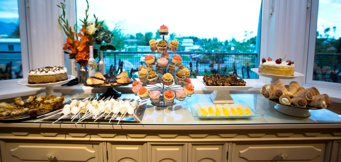 Wedding Desserts by Dippidee