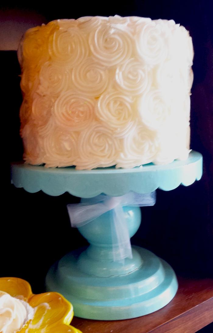 Dippidee Bakery Swirled wedding cake